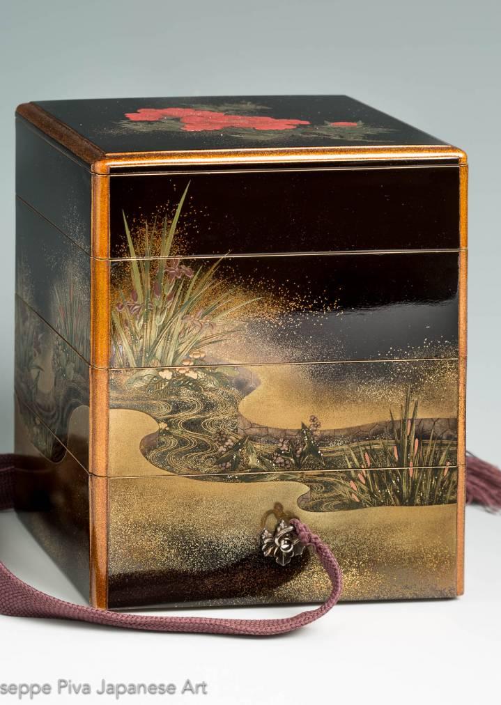 Maki-e tired box, Edo period