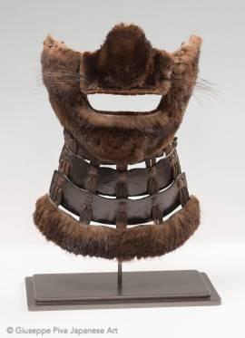 Shokumō menpō  Maschera da samurai ricoperta di pelliccia